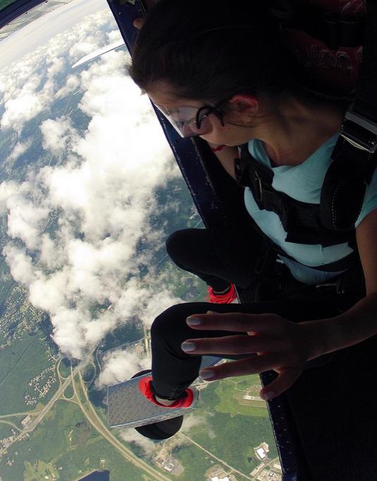 DamlaHekimoglu Skydiving